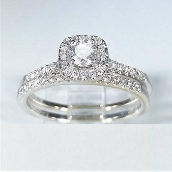 Halo Diamond Bridal Set 0.35 ctw in White Gold