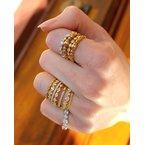 Studio Fine White Diamond Zig-Zag Band