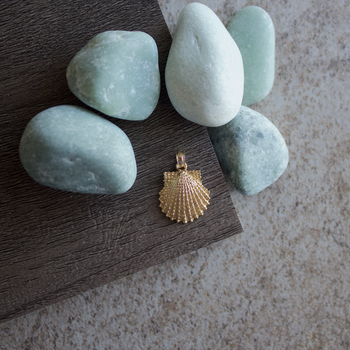 Pier Scallop Shell Charm