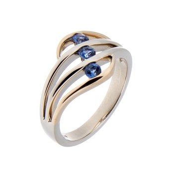 Yogo Sapphire Ring - 14ktt