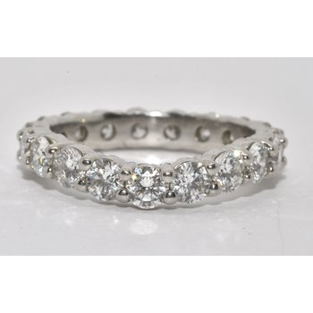Platinum diamond wed band
