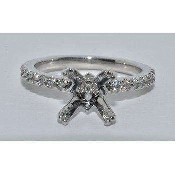 Plat Diamond Engagement Ring
