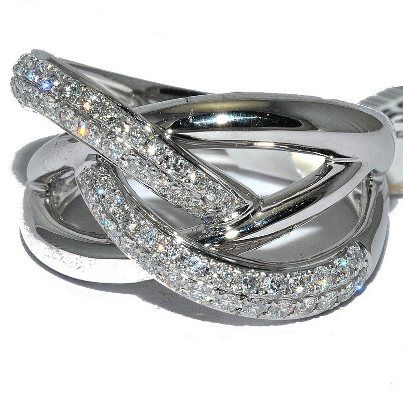 Windy City Signature 18K WG Diamond Wedding Band