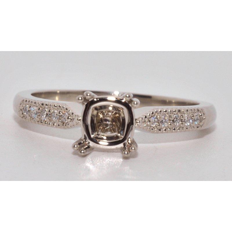 Windy City Signature Classic Design Engagement Ring