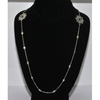 14K WG Diamond Necklace w/flower design