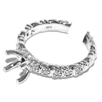 Dazzling 14 karat engagement ring