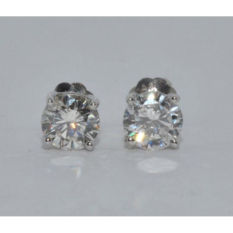 Windy City Signature 14k WG diamond stud earrings