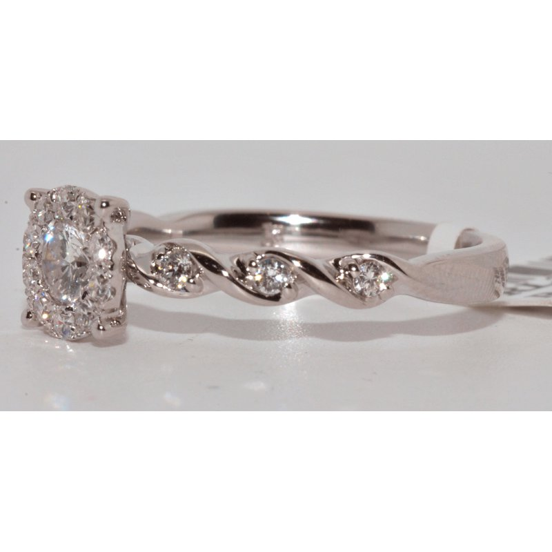 Windy City Signature 14K WG Cluster Ring