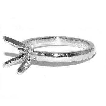 Platinum Solitaire Engagment Ring