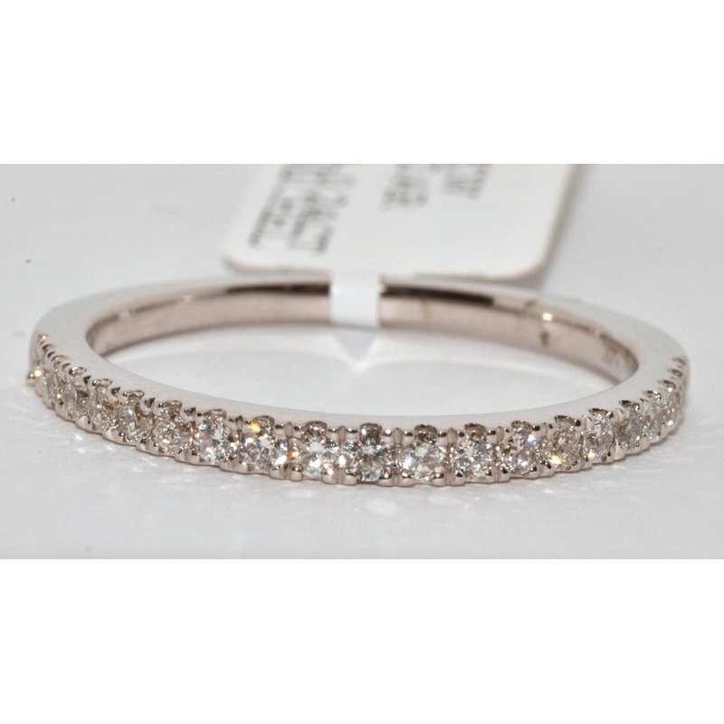 Windy City Signature 14K White Gold Diamond Wedding Band