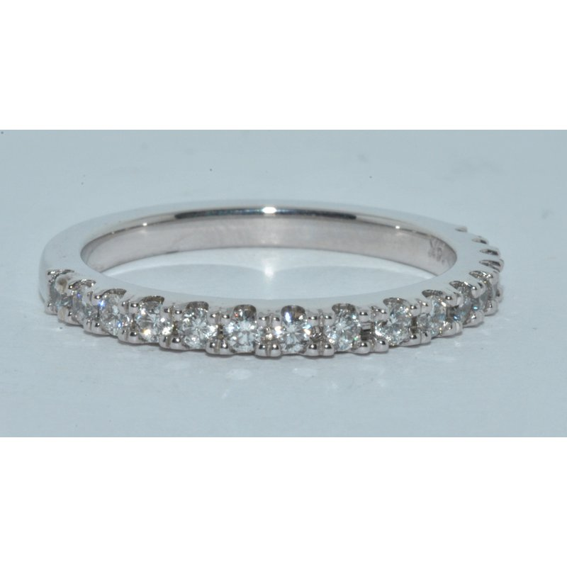 Windy City Signature 14K WG Victoria Diamond WB