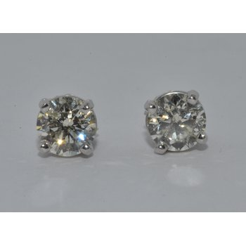 14K WG Diamond Stud L/I1