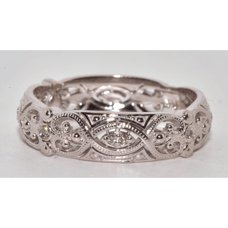 Windy City Signature Diamond Vintage Inspired Wedding Band