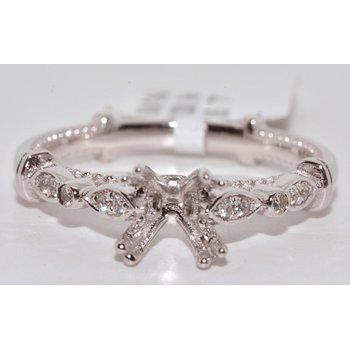 18 K White Gold Engagement Rings