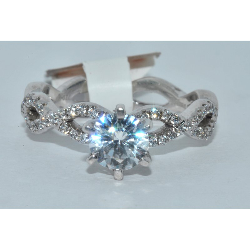 Windy City Signature ceiss cross engagement ring