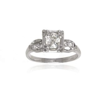 14K White Gold and Diamond Vintage Engagement Ring