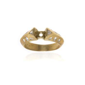 18K Yellow Gold and Diamond Semi-Mount Engagement Ring