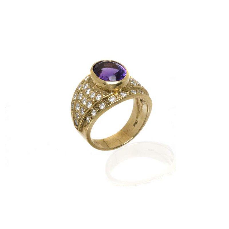18K Yellow Gold Amethyst and Diamond Ring