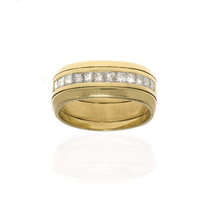 18K Yellow Gold and Diamond Wedding Band